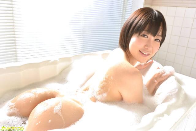 篠田ゆう無修正動画作品のサンプル画像