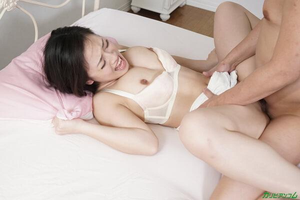 日高千晶あまえんぼう ~どうか妊娠しませんように!禁断の寝起きドピュッキリ~カリビアンコム画像